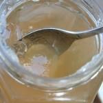 ein Glas Apfel-Gelee