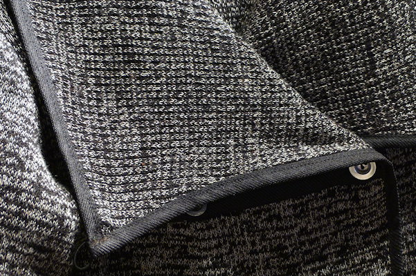 Detail Strickjacke aus Torf