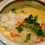 Suppenschüssel mit Weißkrautsuppe