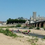 Nevers mit Brücke und Booten