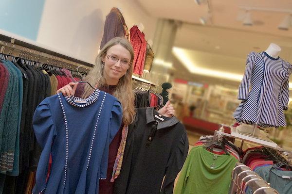 Designerin Miranda Kaufmann präsentiert Mode