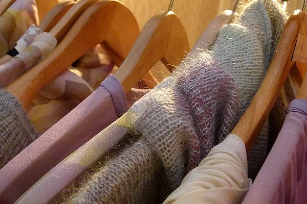 Wolle und Seide mit Naturfarben gefärbt