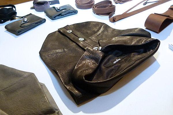 Collar, Gürtel und mehr aus Rhabarberleder