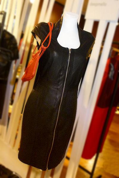 schwarzes Kleid aus Leder