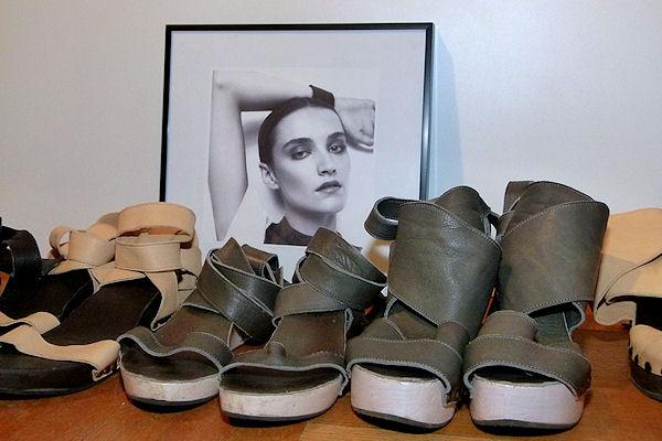 Sandalen aus Bikenholz und Leder