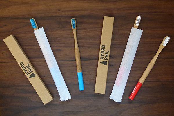 Verpackung und Varianten von Hydrophil Bambus-Zahnbürsten