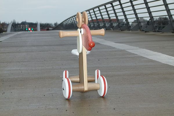 Widder Horst auf nasser Brücke