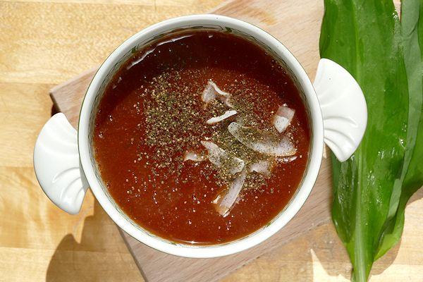 Biovegan Tomatencreme-Süppchen in der Tasse