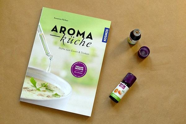 Aromaküche Buch und 2 Öle