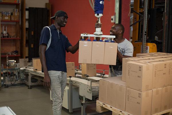 Sonett bietet Flüchtlingen Arbeit