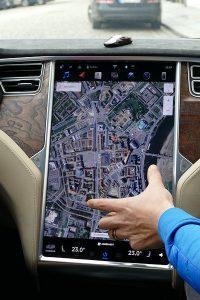 Tesla S Navigation