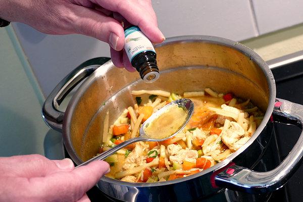 Baldini Bio-Aroma Lemongras am Hähnchen-Curry
