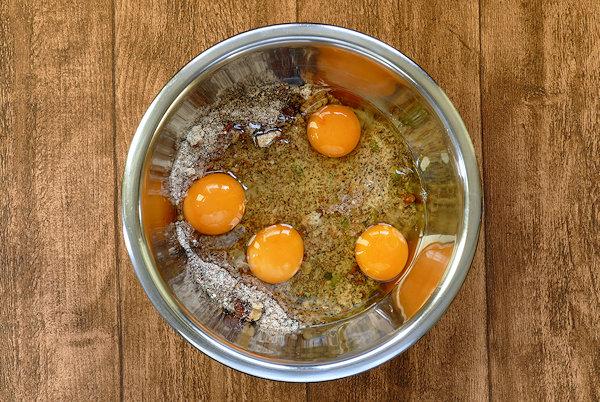 eat Backmischung mit vier Eiern