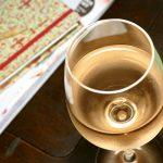 Bio-Rose Genset Pierres Glas auf Tisch