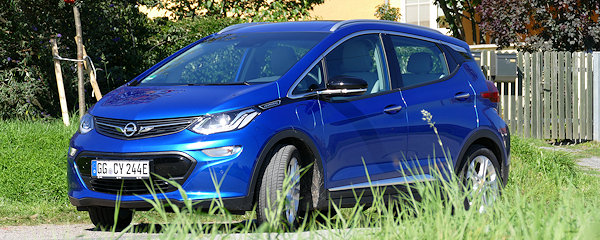 Opel-Ampera-E-Header