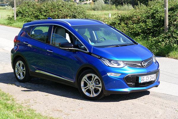 Opel-Ampera-E Seitenansicht erhöht
