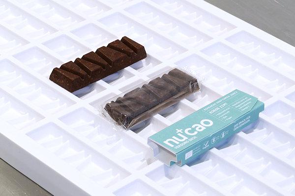 nucao auf Schokoladen-Riegel-Form