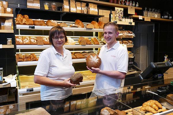 Caola und Erik Spiegelhauer im Laden