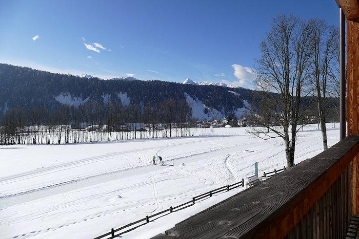 Blick vom Balkon in die Winterlandschaft