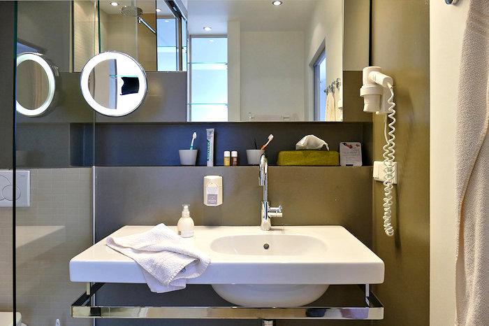 Ramsauhof Bad mit Waschtisch
