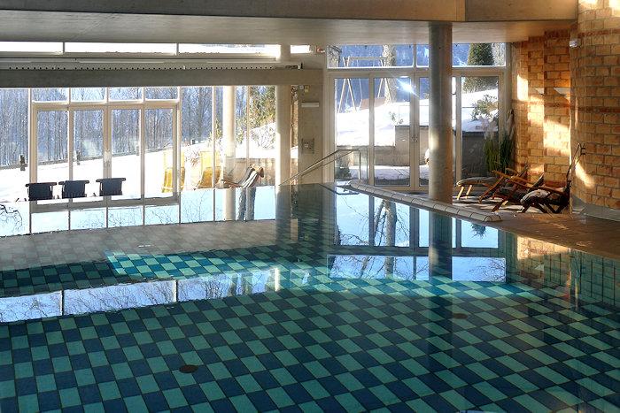 Ramsauhof Schwimmbad mitWinterblick