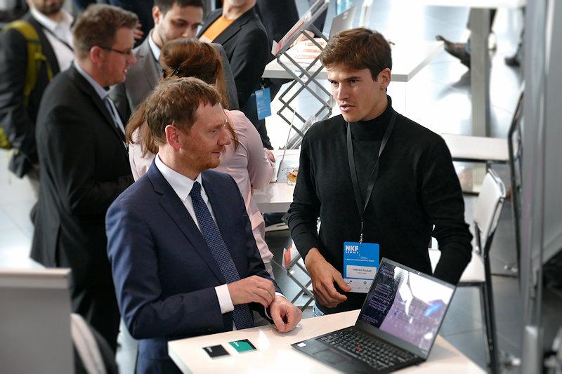 MP Michael Kretschmer im Gespräch mit Valentin Rudloff Tracks GmbH